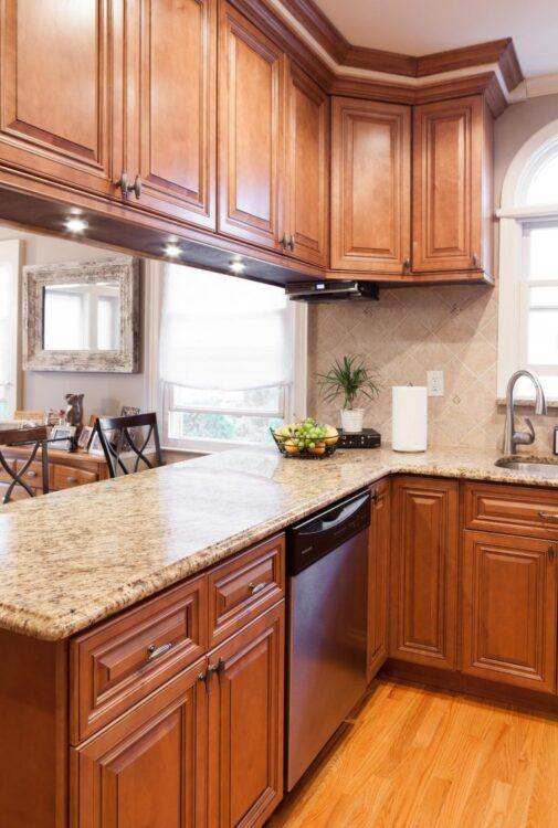 10 Inspirasi Lemari Dapur Minimalis untuk Interior Rumah